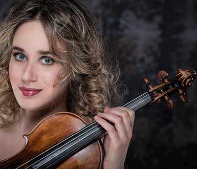 La violinista Anna Tifu per la nuova stagione dell'Orchestra ICO Magna Grecia